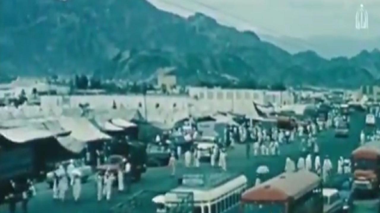 بالفيديو .. لقطات تاريخية للحجاج بأول أيام التشريق قبل 56 عاما