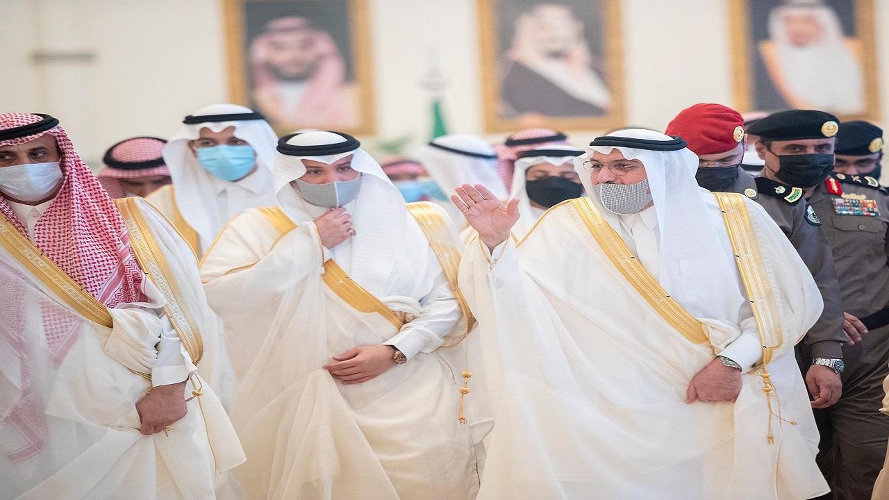 أمير القصيم يستقبل المهنئين بعيد الأضحى المبارك وينقل تهاني القيادة الرشيدة لأهالي المنطقة