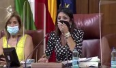 بالفيديو.. فأر يتسبب بالهلع داخل جلسة برلمان
