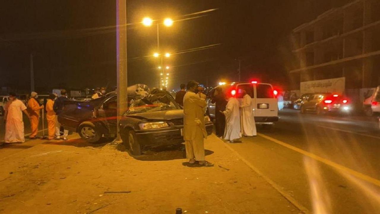 مصرع شخص إثر تصادم مركبة بعمود إنارة في بلجرشي
