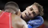 """ملاكم مغربي """"يعض"""" منافسه في أولمبياد طوكيو"""