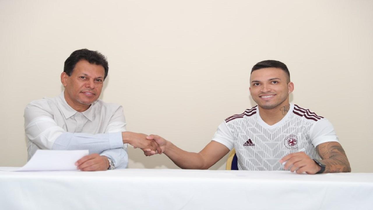 """البرازيلي """"سيلفا"""" ينضم رسميًا لصفوف الفيصلي"""