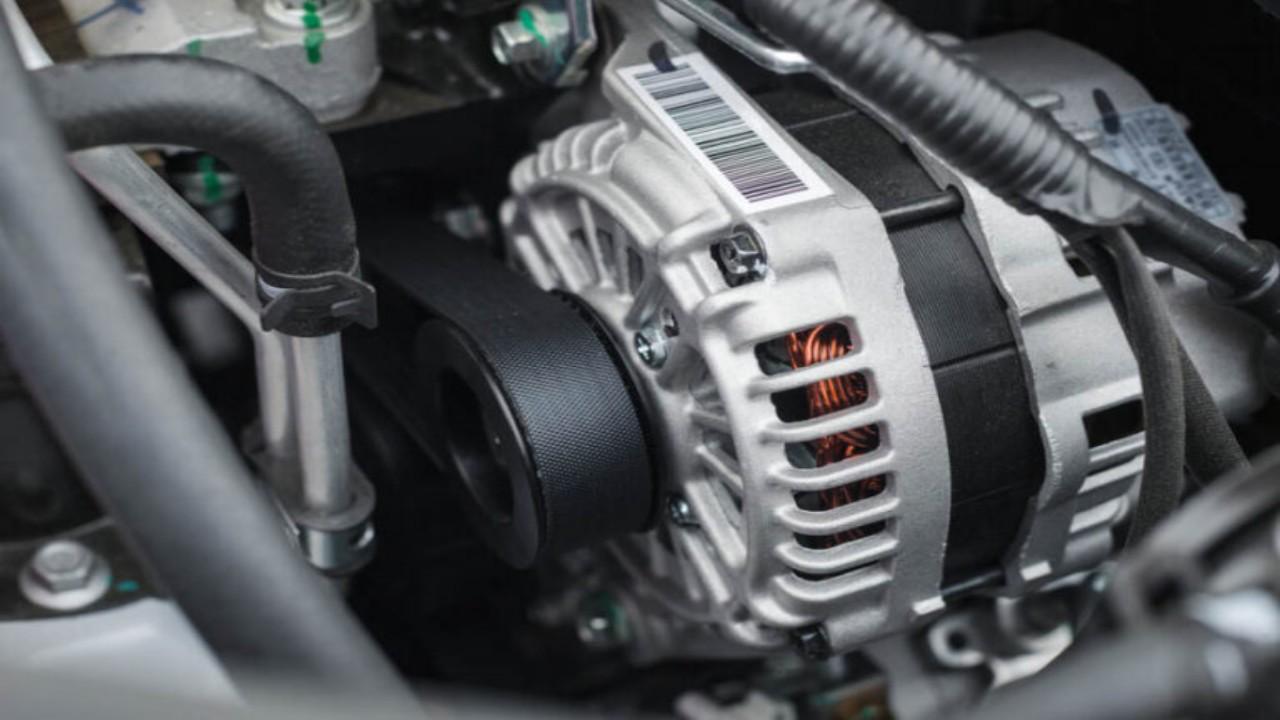 أهمية دينامو السيارة وعلامات تشير إلى تلفه