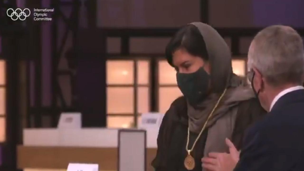 بالفيديو.. الأميرة ربما بنت بندر تتسلم ميدالية اللجنة الأولمبية الدولية في طوكيو