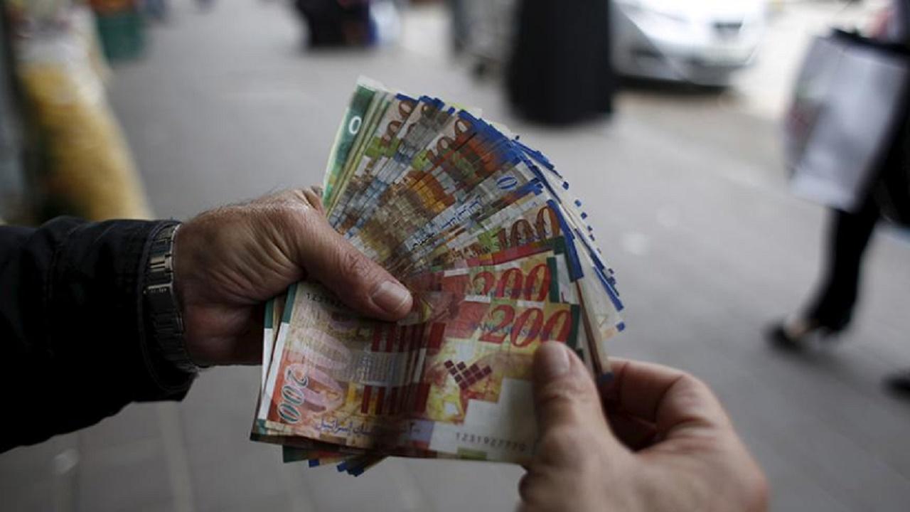 تطبيقات تكشف الأوراق النقدية المزورة