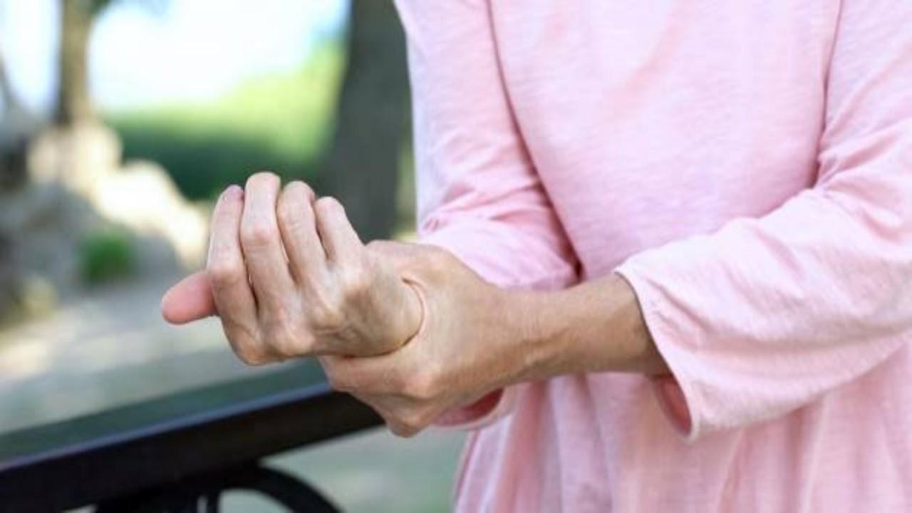 أطعمة تساعد في التغلب على مشاكل ضعف العظام
