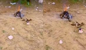 بالفيديو.. رصد نيران مشتعلة تركها زوار أحد المتنزهات في تنومة