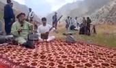 """بالفيديو.. """"طالبان"""" تقتل فنان شعبي شهير بتهمة الغناء والموسيقى"""