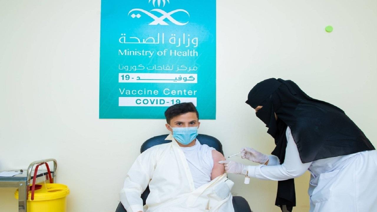 """""""الصحة"""" توضح الفئة العمرية للطلبة الواجب تطعيمها بلقاح كورونا قبل 8 أغسطس"""