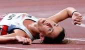 انهيار عداءة عقب سباق 10 آلاف متر في الأولمبياد وجلوسها على كرسي متحرك