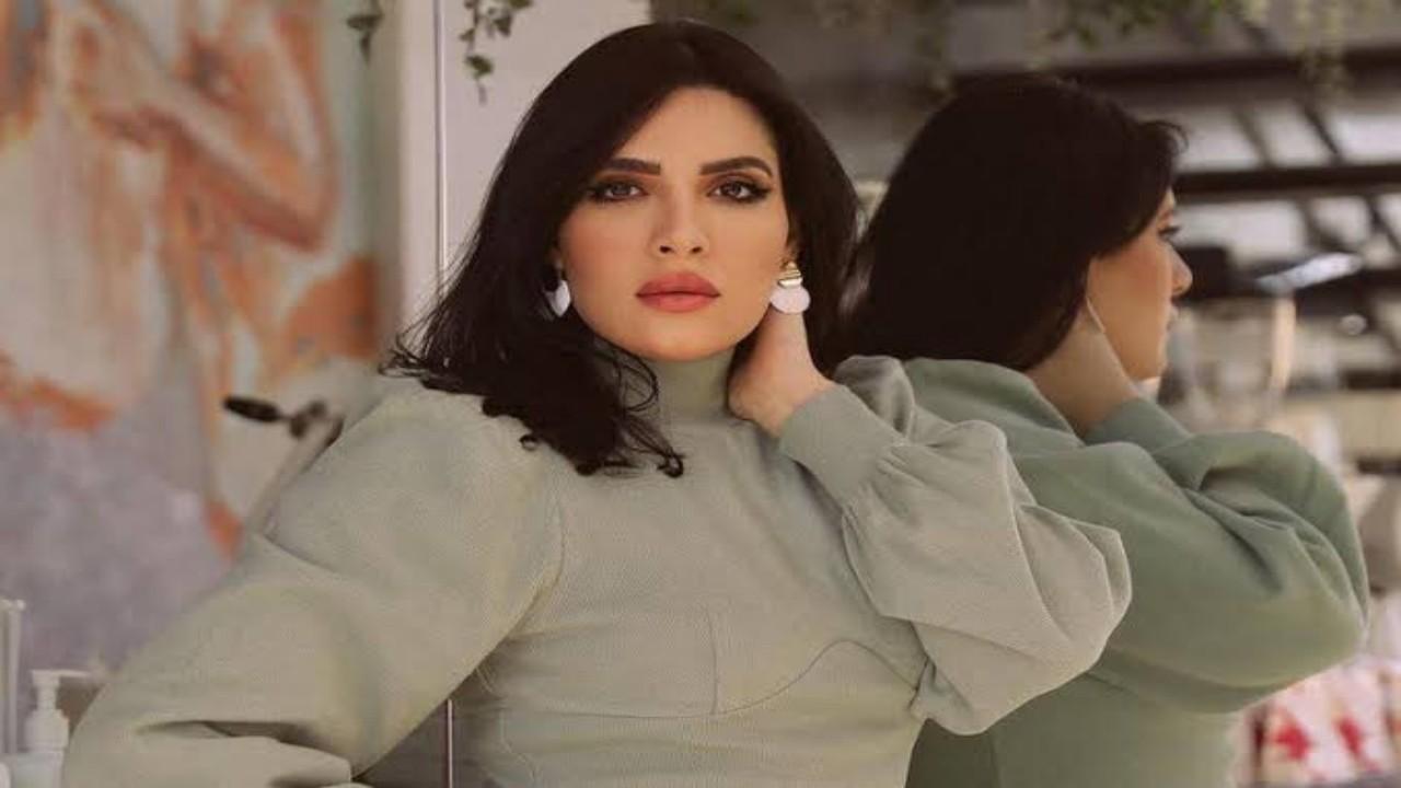 بالفيديو.. هبة الدري تكشف عن بعض علامات الشيب في شعرها