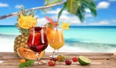 أطعمة ومشروبات تساعد على ترطيب الجسم وحمايته خلال الصيف