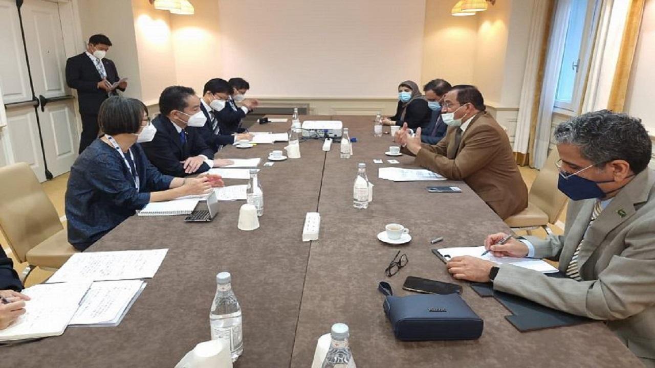 وزير التعليم يبحث مع وزير الدولة الياباني سياسات العلوم والتقنية