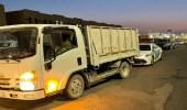 بالفيديو.. شاحنة تنقل عدد هائل من العمالة بطريقة مخالفة