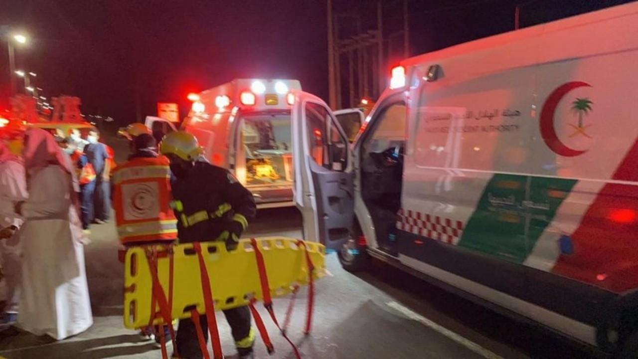 حادث تصادم يتسبب في إصابة 10 أشخاص في الباحة