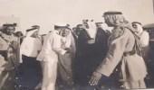 صورة قديمة للملك سعود مع الشيخ عبدالله بالخير