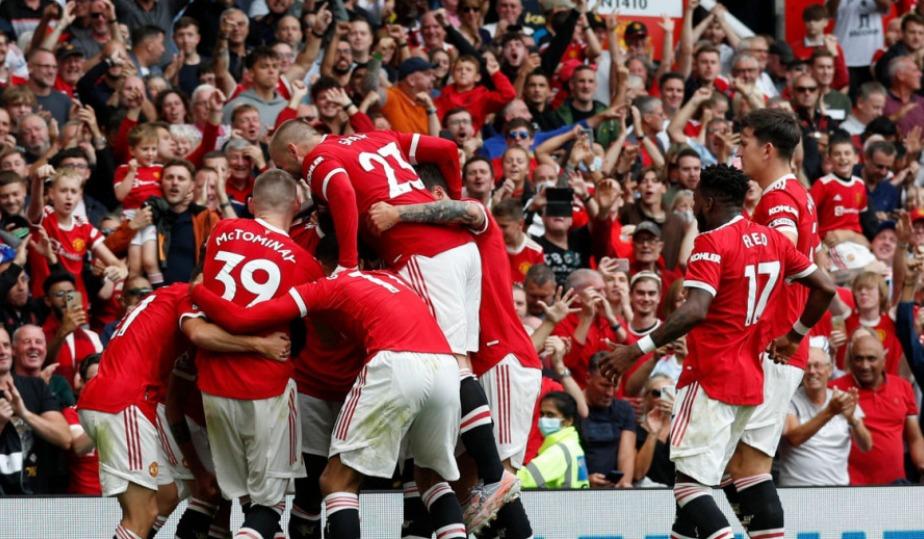 مانشستر يونايتد يحقق الفوز على ليدز يونايتد بخماسية