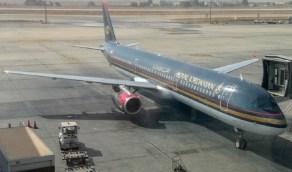 طائرة أردنية تهبط اضطراريًا في عمان