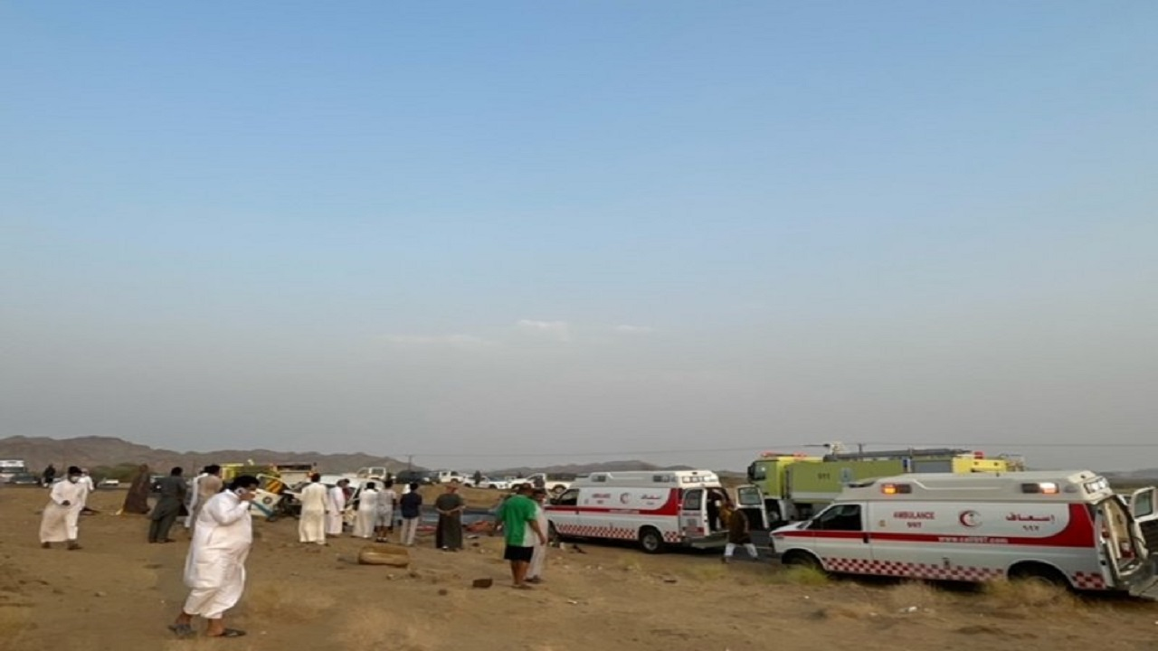 وفيات وإصابات في حادث مروع بالقنفذة