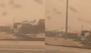 بالفيديو.. حوادث عدة بسبب الموجة الغبارية جنوب الأفلاج