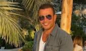 """عمرو دياب يسخر من إحدى معجباته: """"ماما حلوة؟"""""""
