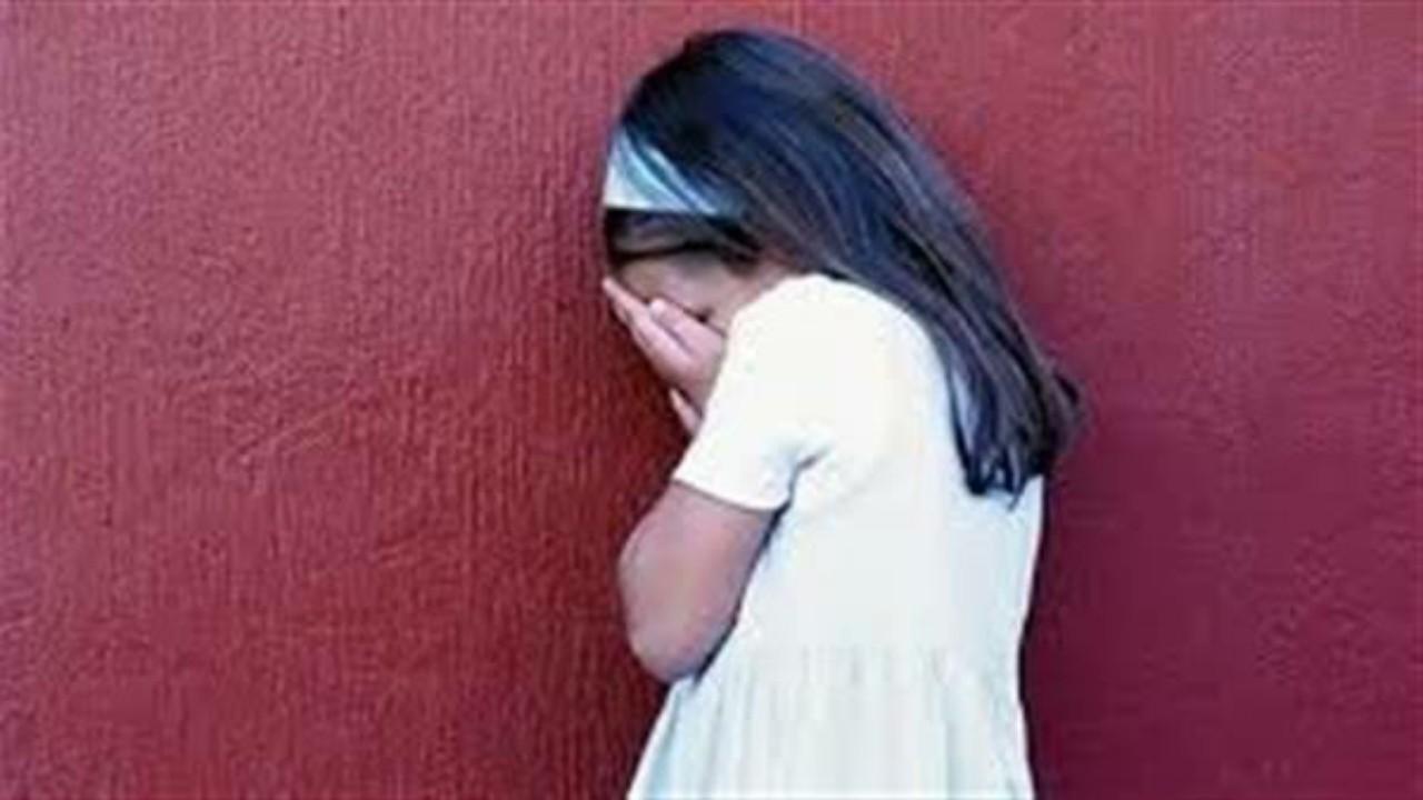 شاب يهرب بعد أسابيع من اتهامه باغتصاب جماعي وقتل طفلة