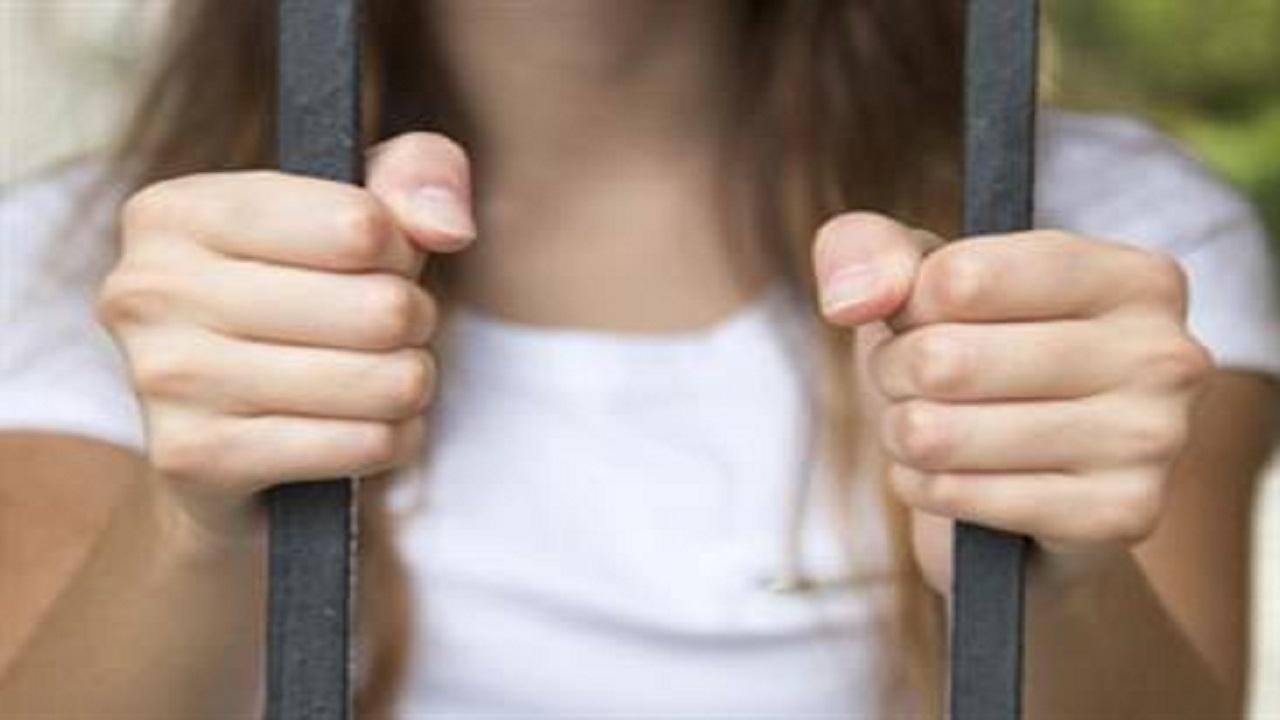 حكم قضائي يدين فتاة كويتية بخيانة زوجها مع ١٣ رجلا