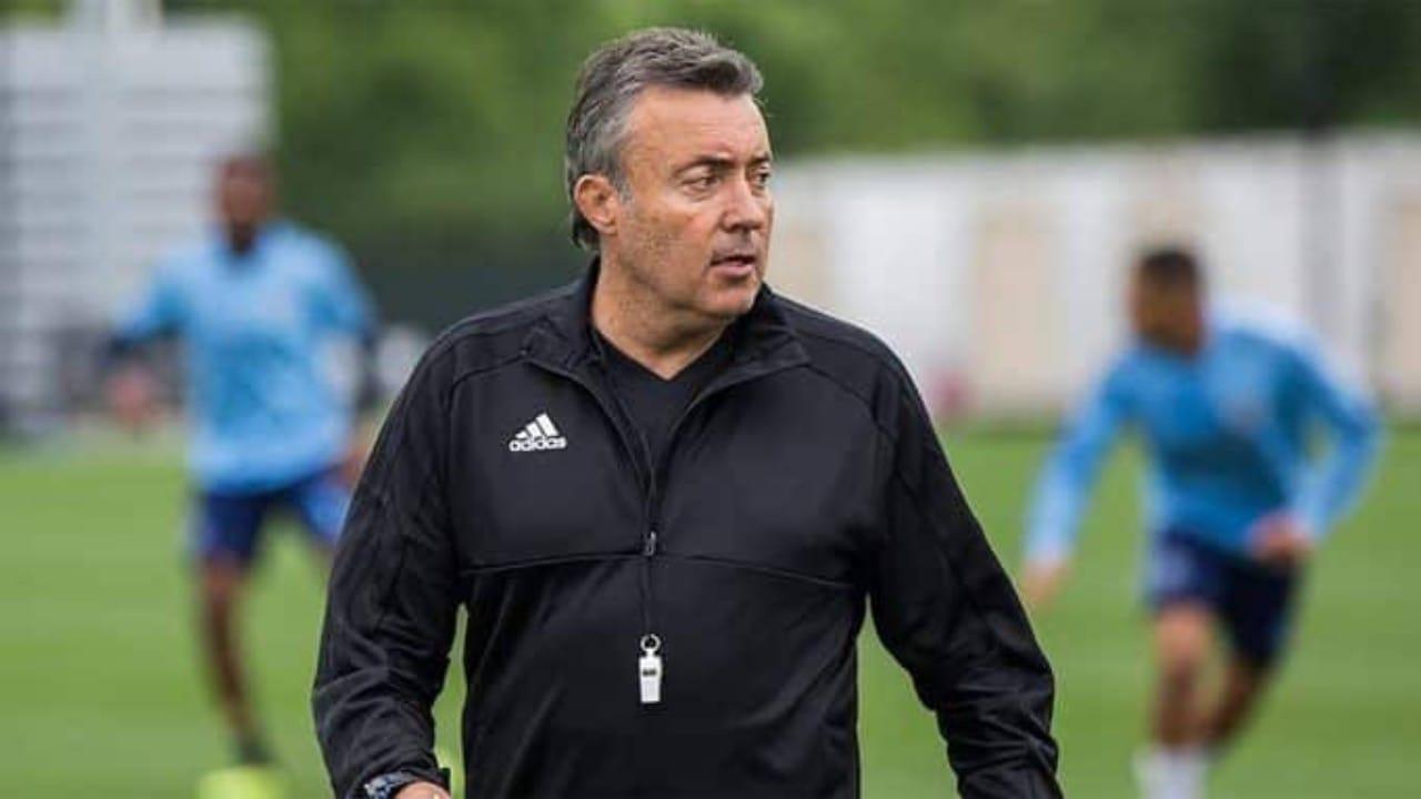 """النصر يقترب من ضم """"تورنت"""" لتدريب الفريق بعد رحيل مينيز"""
