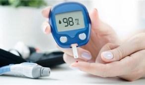 مشروب يساعد على خفض مستويات السكر في الدم خلال 15 دقيقة من تناوله