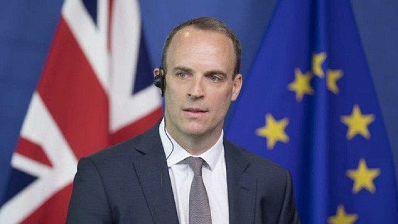 بوريس جونسون يعفي وزير الخارجية البريطاني من منصبه