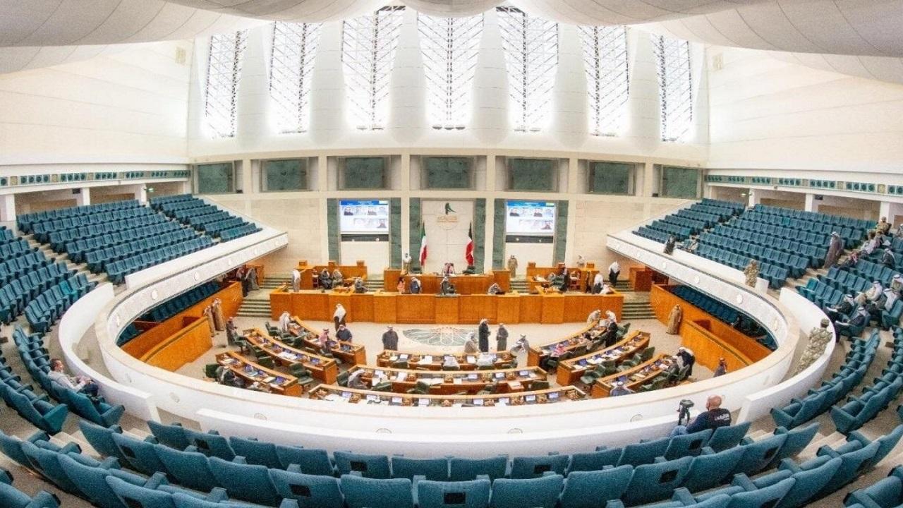 الكويت بصدد دعم الكهرباء والماء لمواطنيها في حدود المنزلين وشاليه
