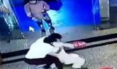 حارس أمن يكشف تفاصيل إيقاف وافد متحرش بالكرسي في حائل