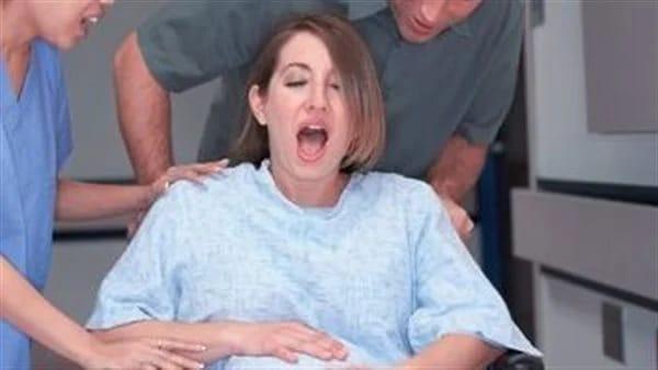 سيدة تكتشف حملها في يوم الولادة