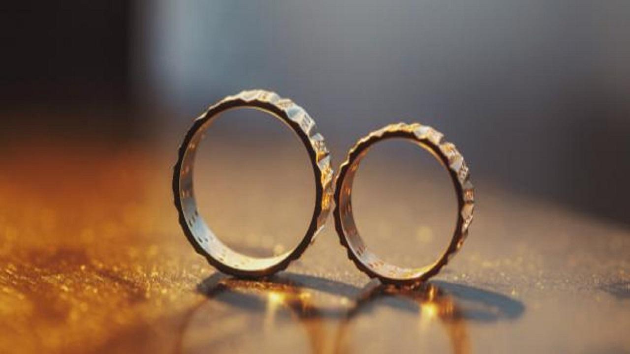"""فتاة تضع 10 شروط للزواج: ليس لديه """"كرش"""" ولا يأكل المنسف باليد!"""