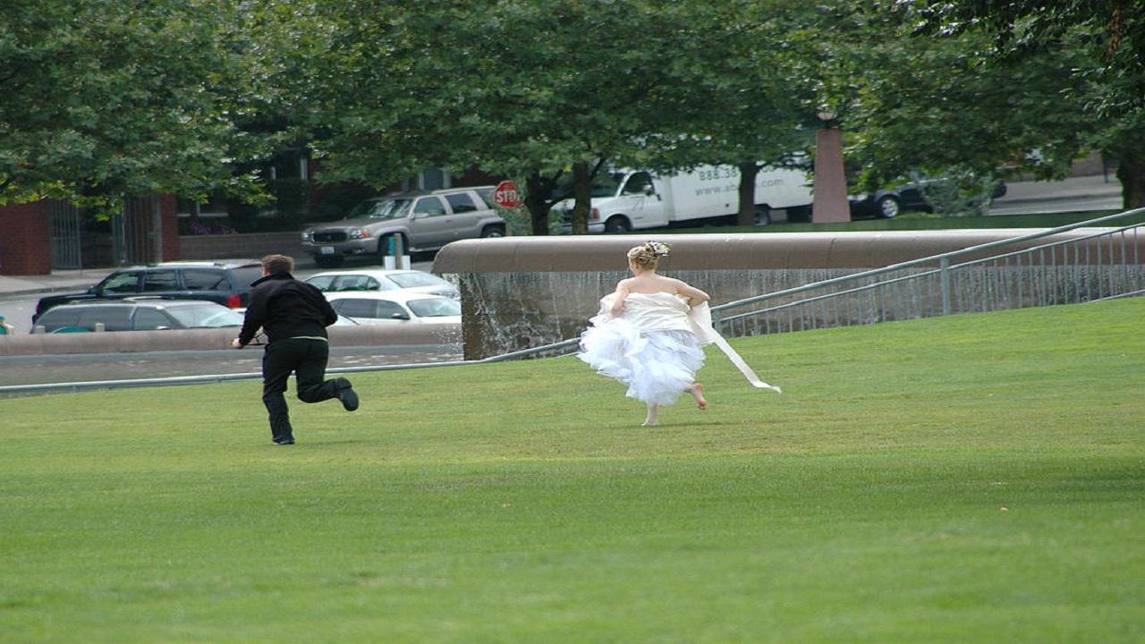 عروس تهرب يوم زفافها مع ابن عمها