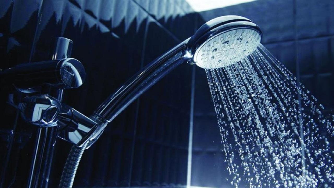 تأثير الاستحمام بالبخار الساخن على صحة الدماغ والقلب