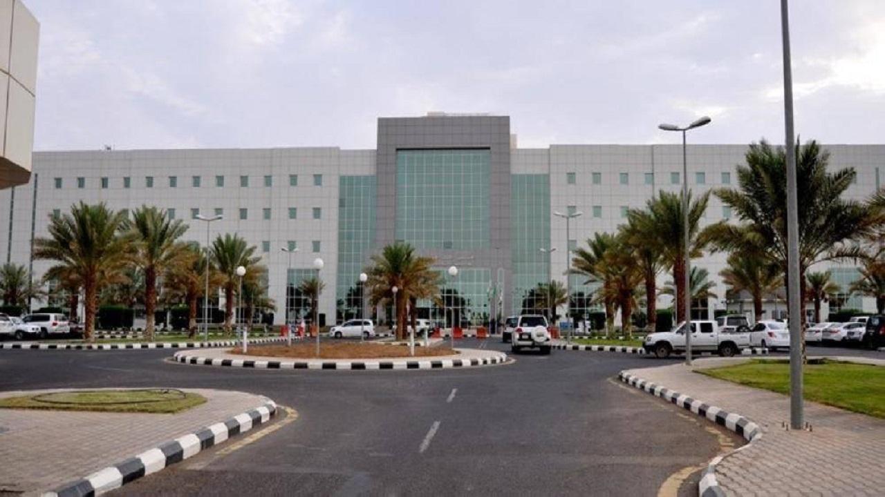 """مستشفى الملك فهد التخصصي بتبوك ينقذ مواطنة مصابة بـ """"كورونا"""" حامل في شهرها السابع"""