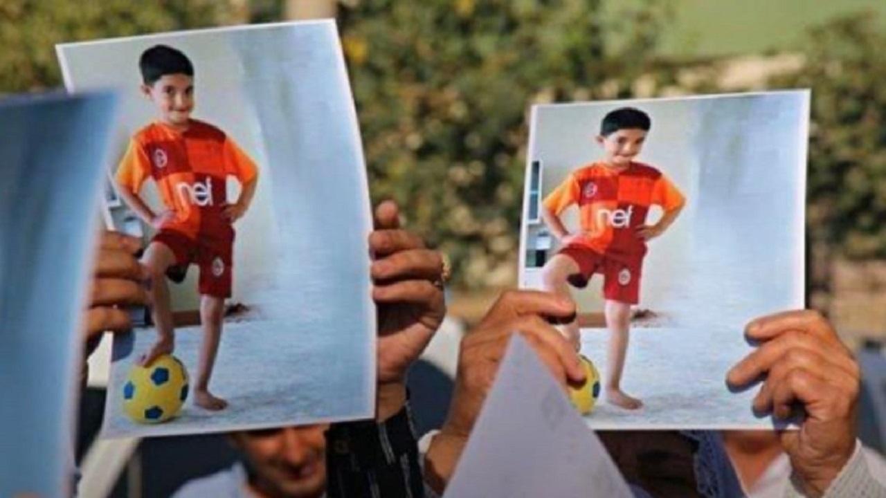 """والد طفل سحقته آلية عسكرية بتركيا يكشف تفاصيل الواقعة:""""الجاني طليق بلا عقوبة"""""""