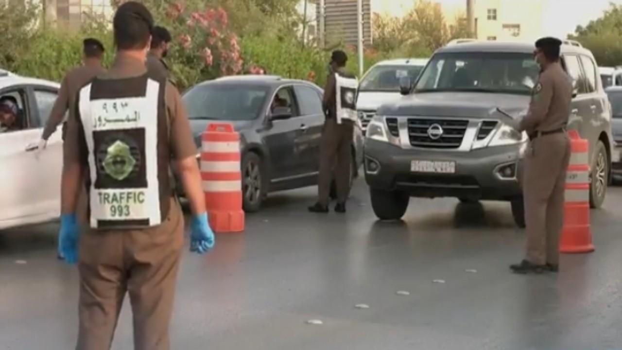 """بالفيديو.. """"المرور"""" يحدد رسوم رخص السير ونقل المركبات بأنواعها"""