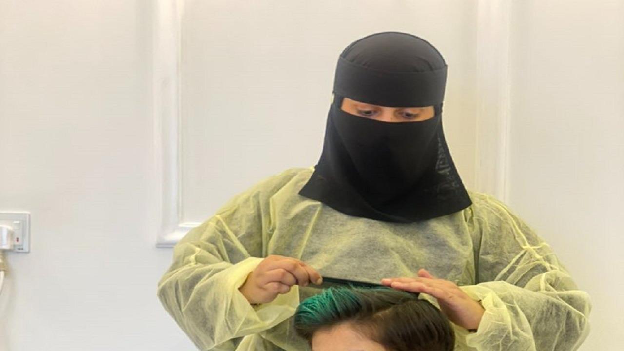 """فيديو.. قصة أول حلاقة سعودية  """"للأطفال فقط"""""""