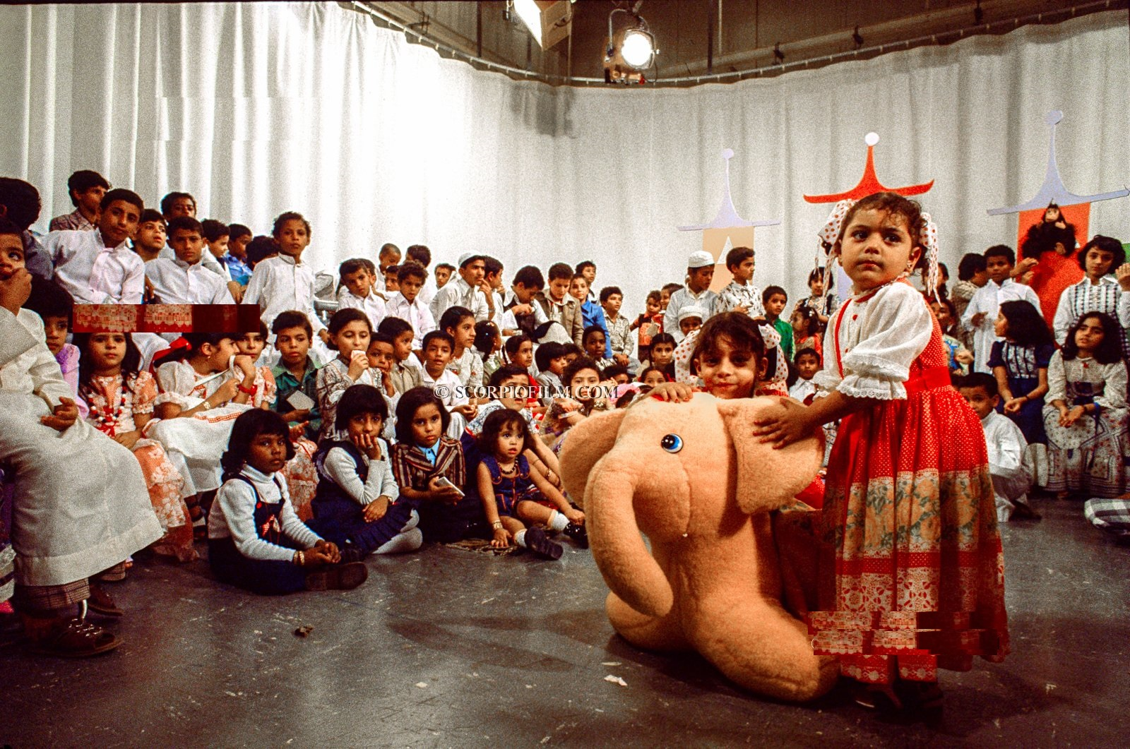 أطفال من الرياض في برنامج للأطفال قبل 42 عام