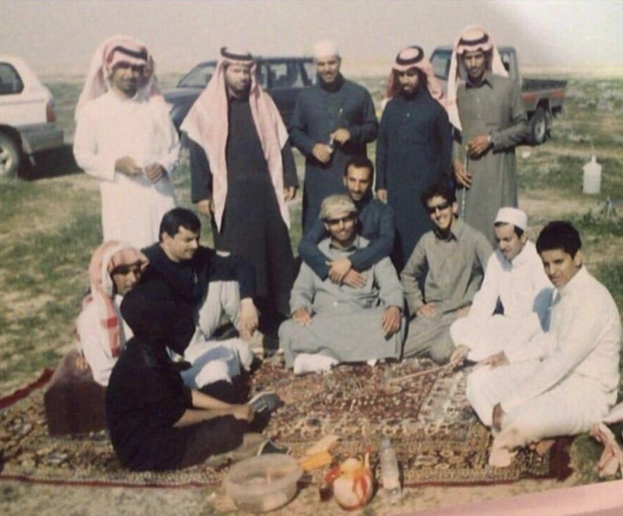 صورة لشباب من رماح قبل حوالي 25 عام