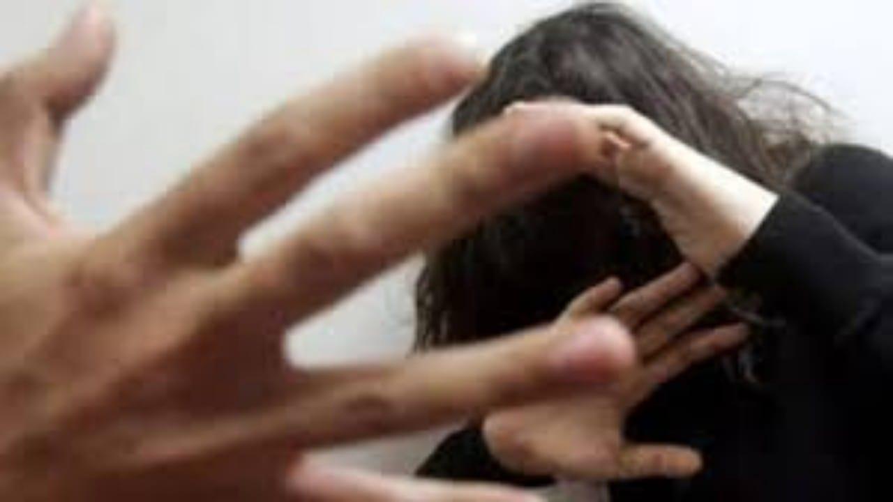3 ذئاب بشرية يغتصبون فتاة معاقة ذهنياً