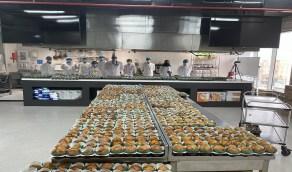 """بالصور .. المنطقة الشرقية تسعى لعمل أكبر علم من منتج غذائي والدخول لموسوعة """"غينيس"""""""
