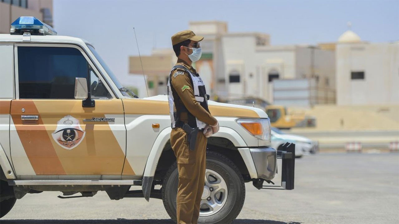 شرطة القصيم تضبط مواطنا أساء لسكان إحدى المناطق عبر مواقع التواصل الاجتماعي