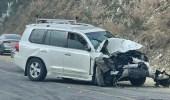 حادث تصادم مروع بين سيارتين في المندق