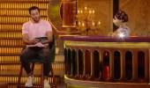 """بالفيديو.. أحمد السعدني يثير الجدل بـ """"قبلة"""" عفوية لأبلة فاهيتا"""