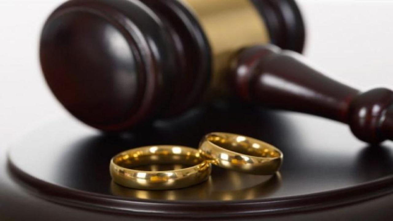 """رجل يتهم زوجته بـ """"الشذوذ"""" في دعوى طلاق"""