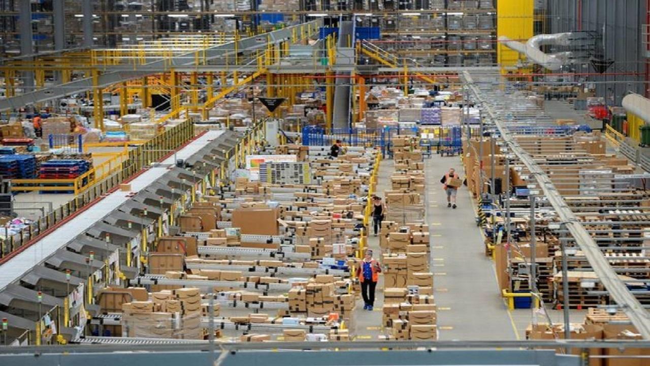 المواصفات تتجه لإصدار تشريعات جديدة لتنظيم واردات التجارة الإلكترونية للأفراد