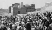 صورة تظهر سوق أبها قبل 76 عام